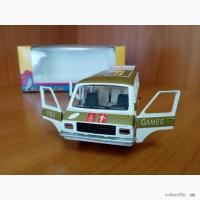 Модель автомобиля РАФ Олимпийский, номерная А18, масштаб 1/43