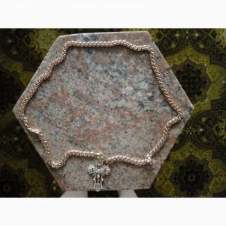 Наперсный (нагрудный) крест-распятие на цепи золотой