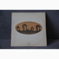 Продам 2 виниловые пластинки с разворотом группы The Beatles - Love Songs 1977 года