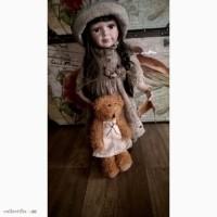 Продаю коллекционную фарфоровую куклу