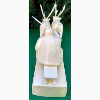 Скульптура Оленья упряжка, резьба по клыку моржа, резчик Эйнес Лилия Ивановна, Уэлен
