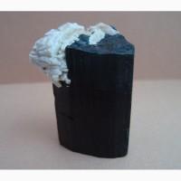 Черный турмалин (шерл) с альбитом