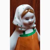 Фарфоровая статуэтка Девочка в платочке Дулёво СССР 1-й Сорт