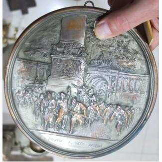 Настенная плакета Штурм Зимнего дворца, латунь, серебрение, ранний СССР
