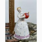 Фарфоровая статуэтка СССР.Девушка с чайником.Дулёво.1987 г.1 с