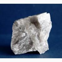 Айкинит в кварце, редкий минерал
